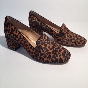 New Banana Republic leopard calf hair loafer 8 1/2